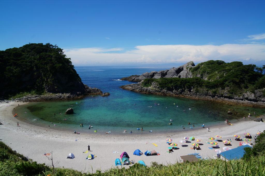大自然を満喫!東京の離島「式根島」で過ごす週末女子旅プラン♪