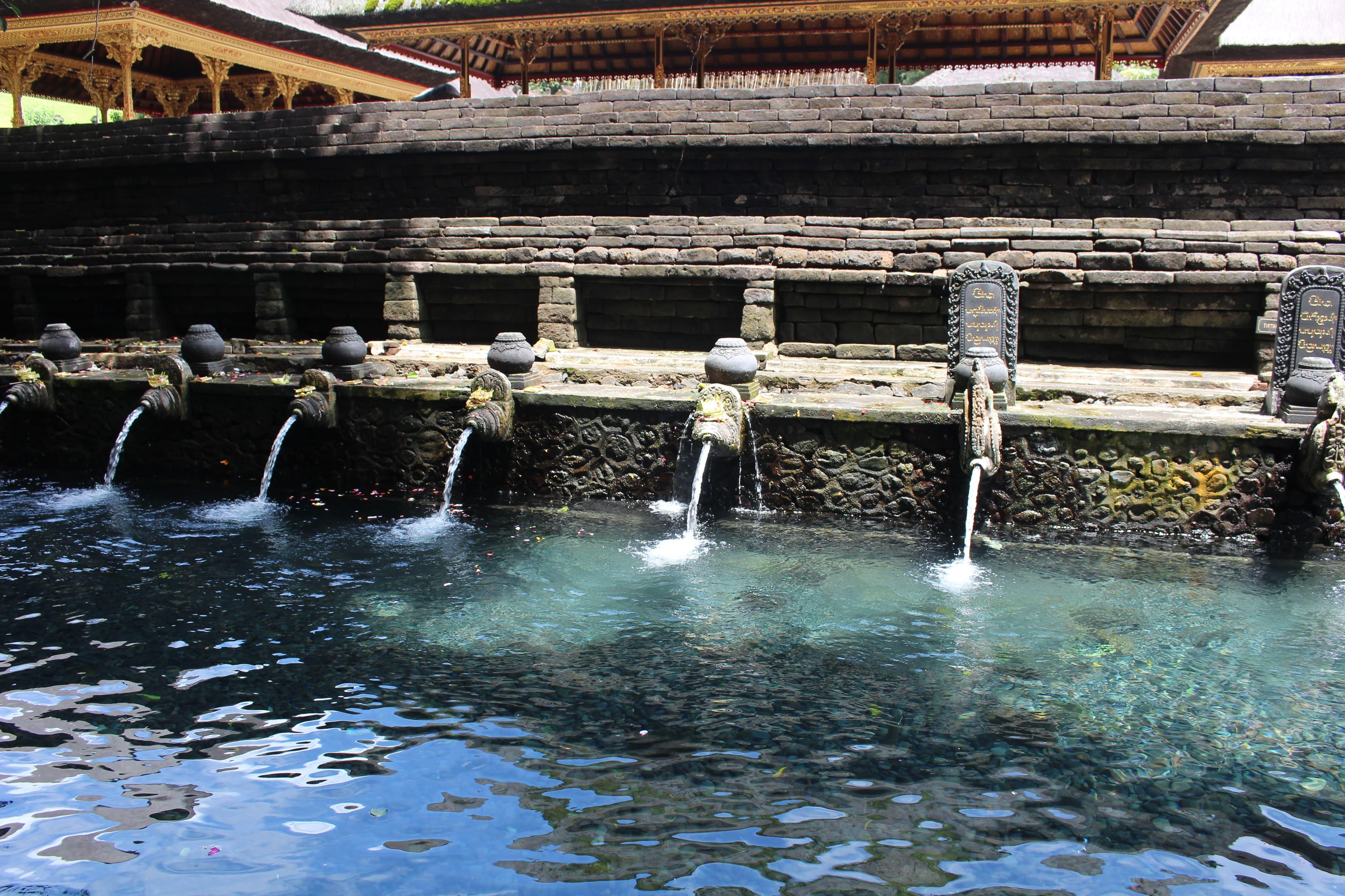 バリ島_ティルタ・ウンプル寺院