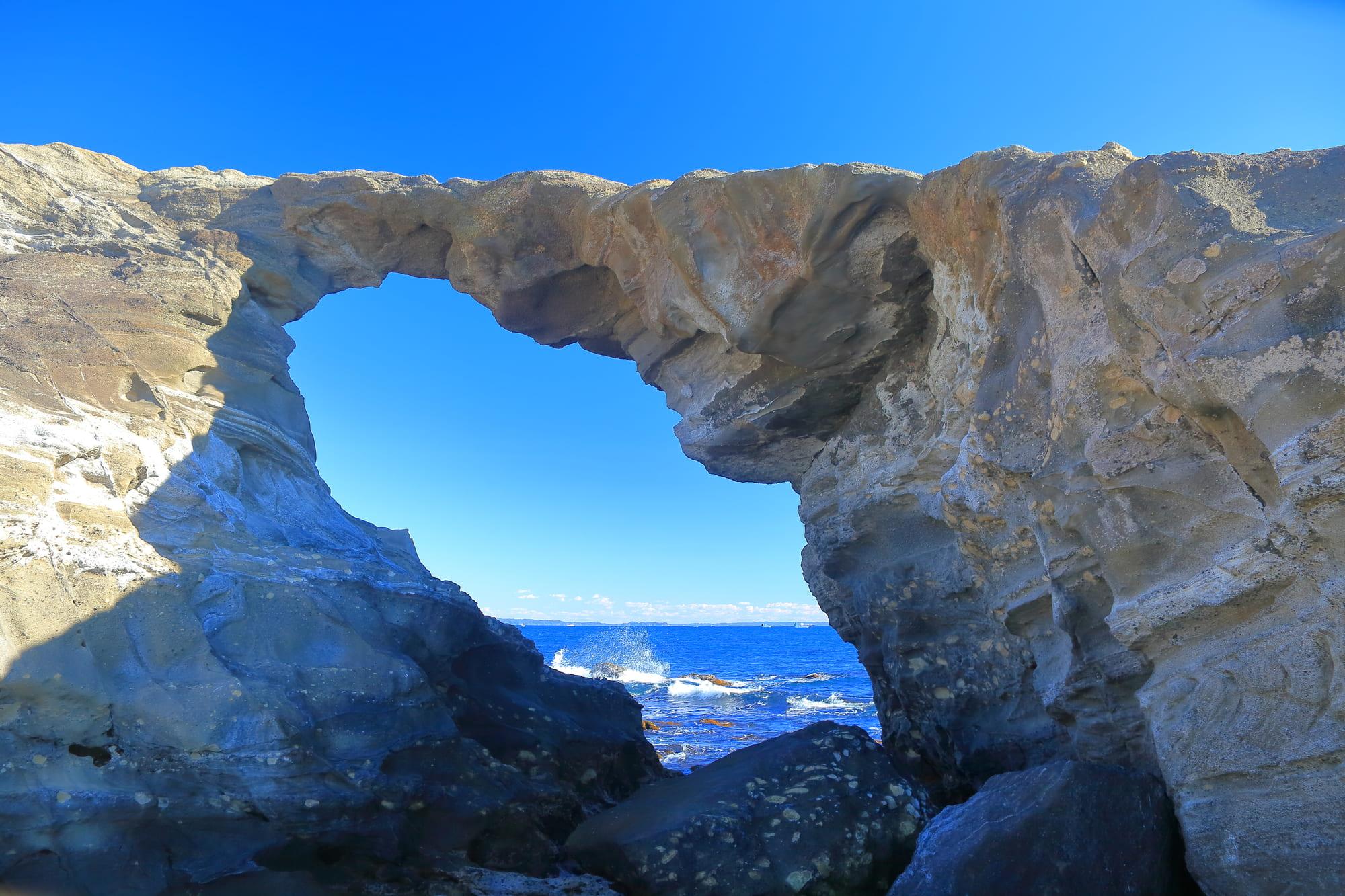 城ヶ島_馬の背洞門