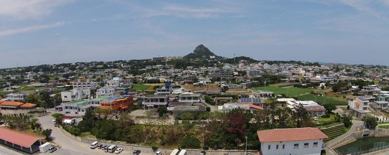 日帰りできる沖縄本島・周辺離島「伊江島」で観光&島グルメの満喫旅!