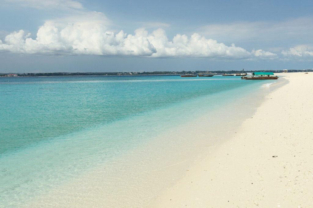 タンザニアの離島「ザンジバル諸島」を満喫!世界屈指の美しい海にうっとり♪