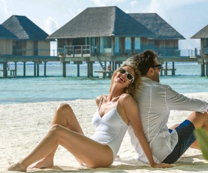 モルディブ・カニフィノール島:ハネムーナーに朗報!2人目宿泊代金無料キャンペーン実施中!