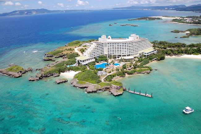 沖縄・恩納村_ANAインターコンチネンタル万座ビーチリゾート「SUP体験会 with Calmly Okinawa」