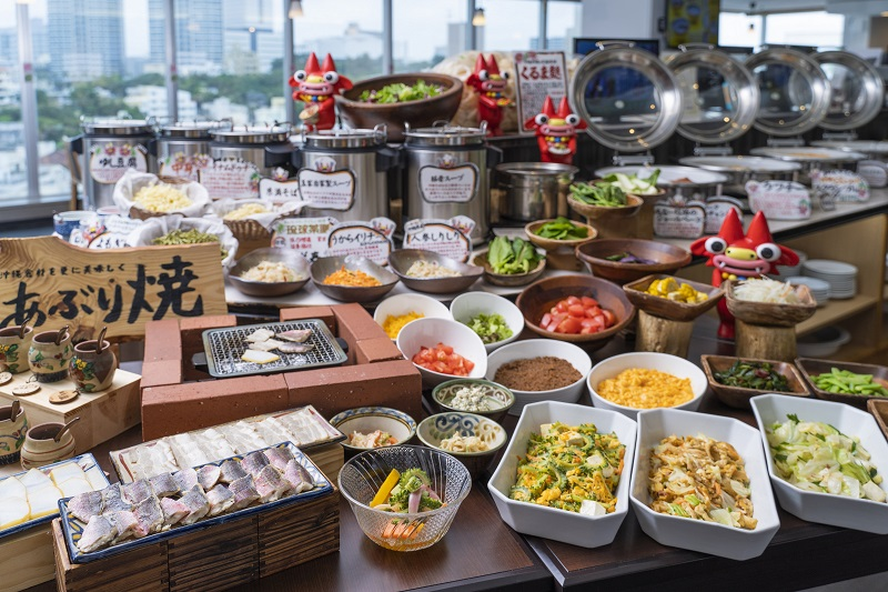 沖縄・那覇市:バイキングの楽しさをそのままに。世界一沖縄料理が豊富なホテル朝食を提供