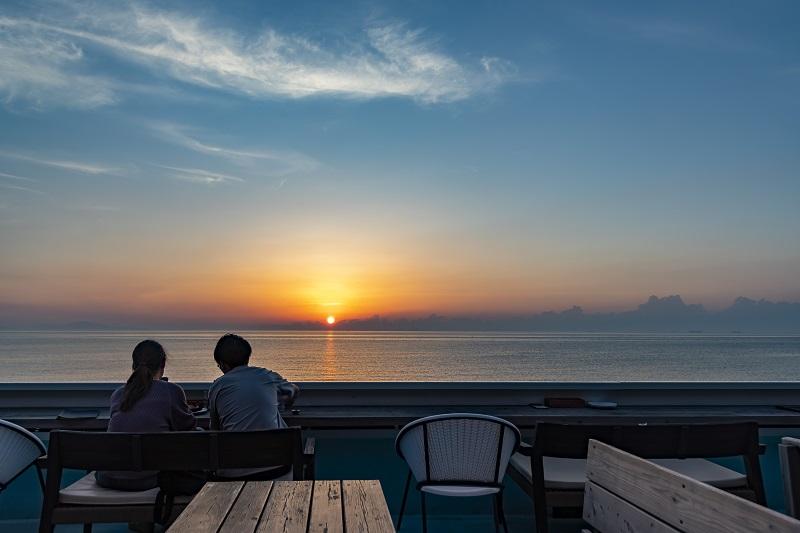 淡路島:絶景カフェ前にコミュニティバス「あわ神あわ姫バス」が新たなバス停を10/1新設