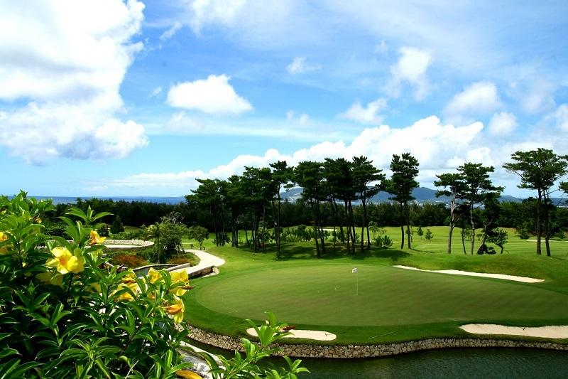 沖縄・名護市:ザ・リッツ・カールトン沖縄「ゴルフ エクスペリエンス2020」販売開始