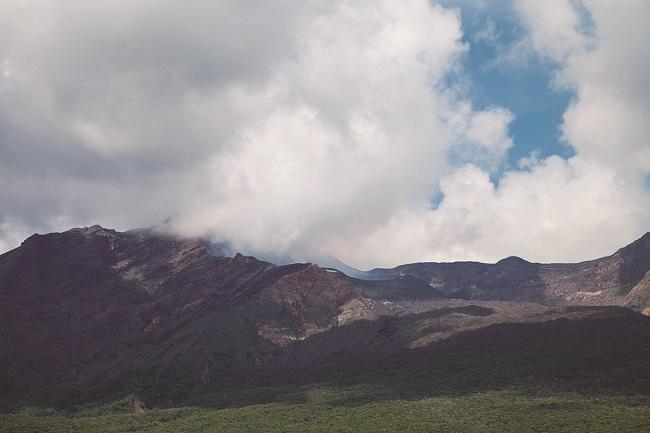 諏訪之瀬島_噴火口_201128