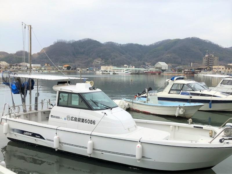 岡山・笠岡港から出港。瀬戸内海の美しい島々の風景を眺めながら船釣り!