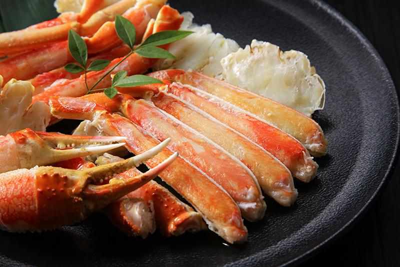 沖縄・名護市:オキナワ マリオット リゾート&スパ、春のカニ『ズワイガニ』食べ放題ブッフェ