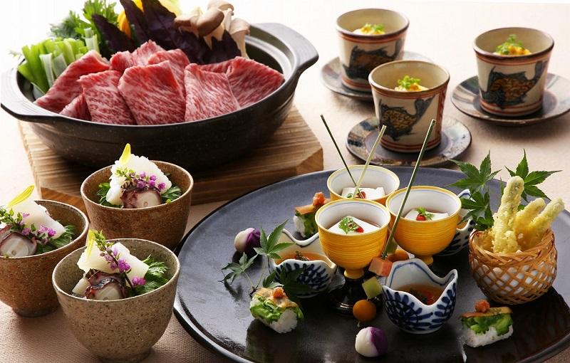 沖縄・読谷村:ホテル日航アリビラ、ディナー『うとぅいむち会席』でおもてなし