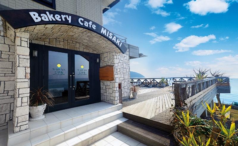 淡路島:フォトジェニックなベーカリーカフェがオープン!270°オーシャンビューで「萌え断」パン。