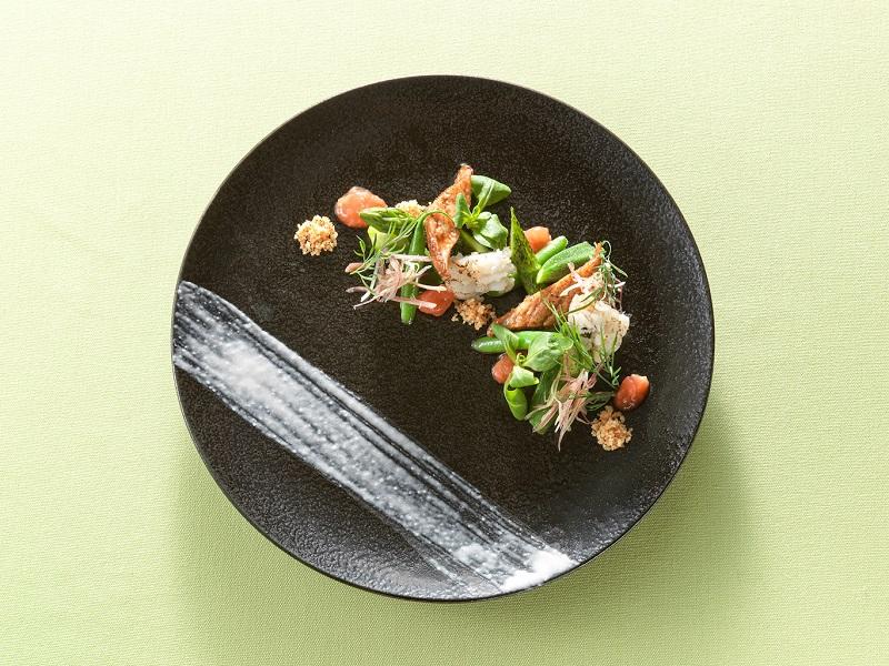 淡路島:グランドニッコー淡路、特別ランチ「初夏の野菜コース 和洋の饗宴」