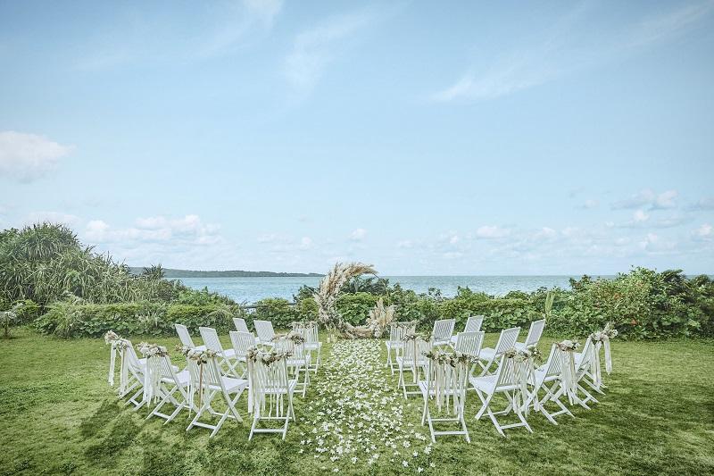 沖縄・恩納村:海を一望できる新挙式会場「マヒナ・ガーデンウェディング」販売開始