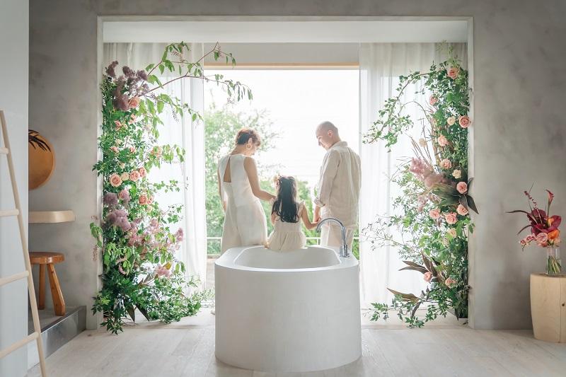 淡路島:少人数での宿泊型結婚式「花ノ家族婚」1日1組1棟貸の貸別荘で結婚式