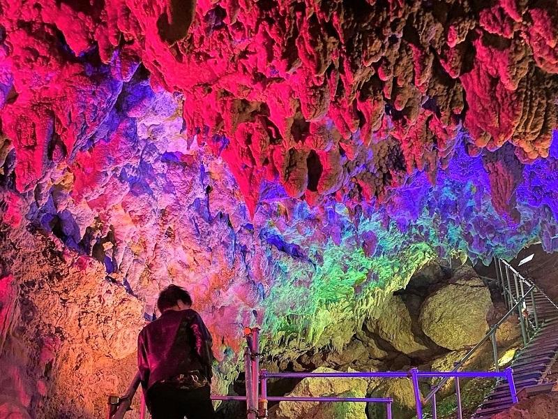 【CAVE OKINAWA】沖縄本島中部で最大級の鍾乳洞を探検