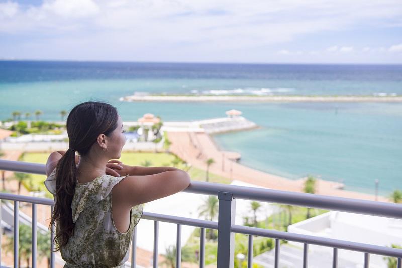 ヒルトン沖縄北谷リゾート、韓国コスメギフトと美容家電の無料レンタル付き宿泊プラン